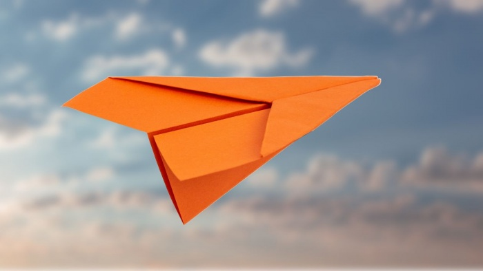 Einen super coolen Papierflieger falten – So geht´s