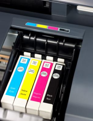 Druckertinte von Druckerpatronen von der Haut entfernen