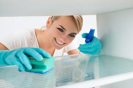Einen Minikühlschrank richtig reinigen und pflegen