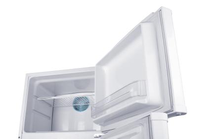 Eisfach und Gefrierschrank enteisen / abtauen