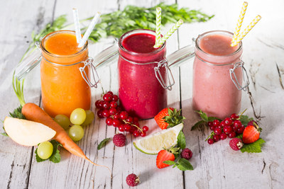 Gesunde Ernährung mit frisch gepressten Säften