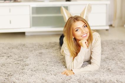 Hochflor-Teppich richtig reinigen und pflegen