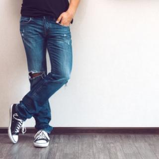 Jeans färbt auf Schuhe ab