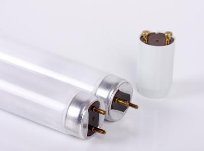 Leuchtstoffröhre und Starter ersetzen