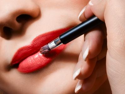Lippenstiftflecken / Lippenstift entfernen