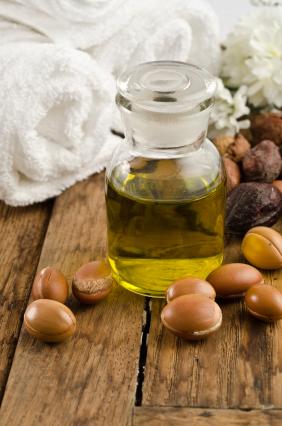 Mit Arganöl die Haut pflegen und Fältchen mindern
