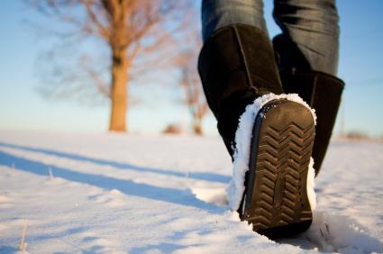 Schneeränder an Schuhen entfernen