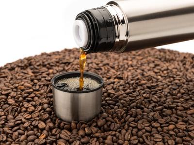Thermoskanne mit Hausmitteln reinigen (Kaffeereste entfernen)