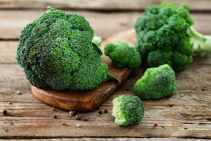 Wie bereitet man Brokkoli zu?