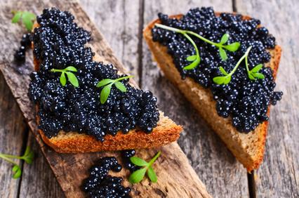 Wie isst man Kaviar richtig?